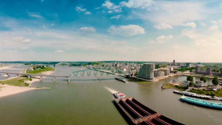 Nederland Slim Benutten; coronacrisis Arnhem Nijmegen; RvN@Lab; triple helix; Antoine Driessen